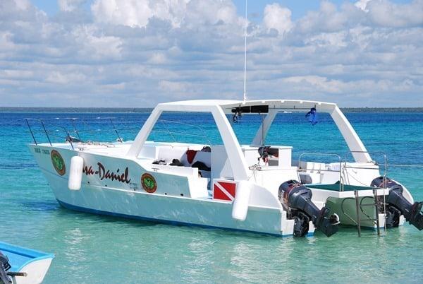 16_Speedboat-Daniel-Karibik-Isla-Saona-Dominikanische-Republik
