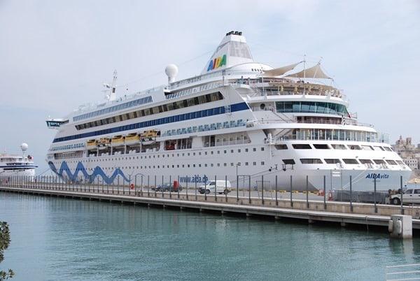 Arbeiten-auf-einem-Kreuzfahrtschiff-AIDAvita