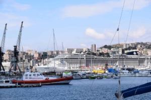 000_Kreuzfahrtschiff-MSC-Preziosa-Hafen-Genua-Italien