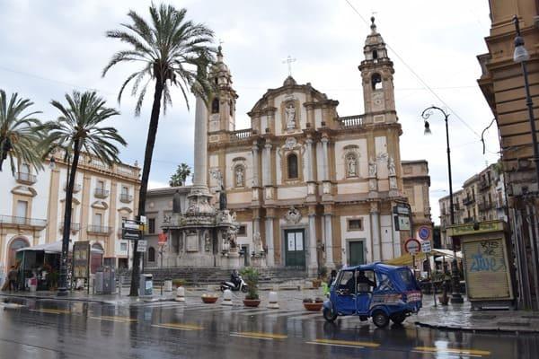07_Chiesa-di-San-Domenico-e-Chiostro-Regen-Palermo-Sizilien-Italien
