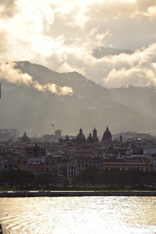08_Sonnenuntergang-Wolken-Palermo-Sizilien-Italien
