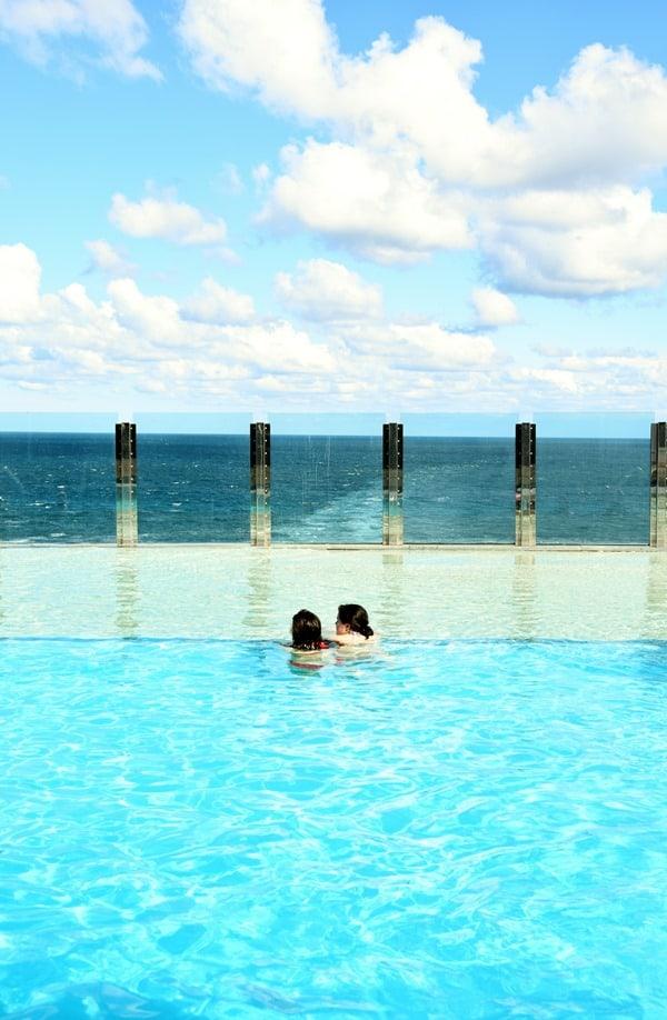 19_Seetag-Infinity-Pool-Kreuzfahrtschiff-MSC-Preziosa-Mittelmeer