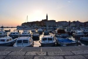 000_Sonneuntergang-Hafen-Altstadt-Rovinj-Istrien-Kroatien
