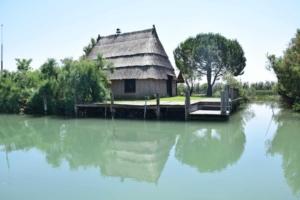 00_Casoni-in-der-Lagune-von-Marano-Lignano-Sabbiadoro-Fluss-Stella-Italien
