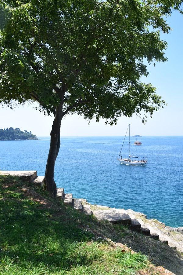 02_Aussicht-Uferpromenade-Rovinj-Istrien-Kroatien