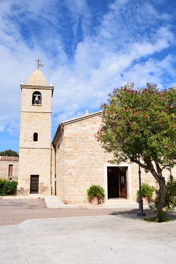 07_Pfarrkirche-San-Pantaleo-Sardinien-Italien