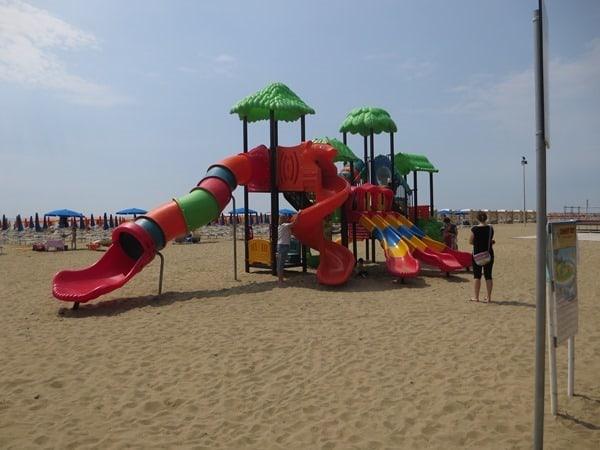 11_Lignano-Sabbiadoro-Strand-Kinder-Spass-Italien-Adria