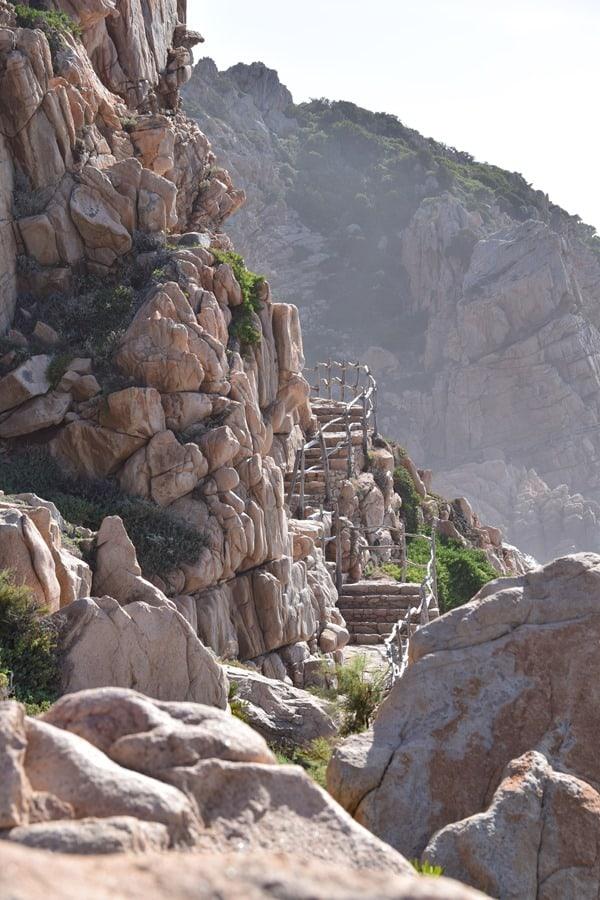 03_Fussweg-zum-Traumstrand-Li-Cossi-Costa-Paradiso-Sardinien-Italien
