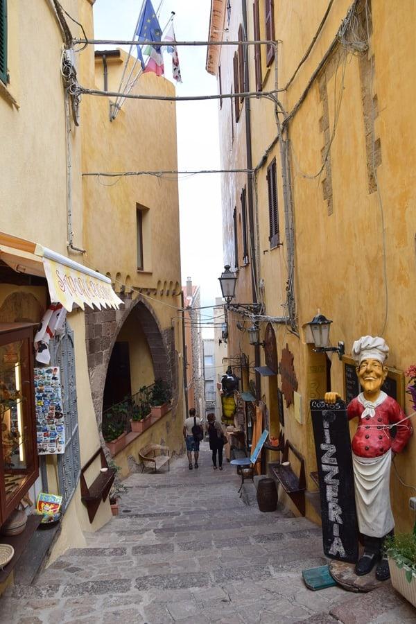 08_Gassen-Castelsardo-Sardinien-Italien
