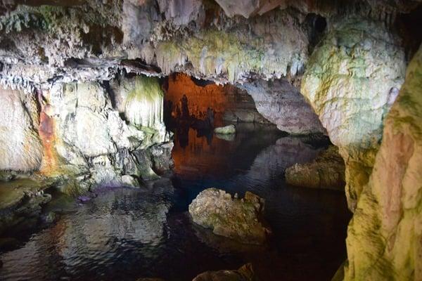 10_Am-Eingang-zur-Grotta-di-Nettuno-Neptungrotte-Sardinien-Alghero-Italien