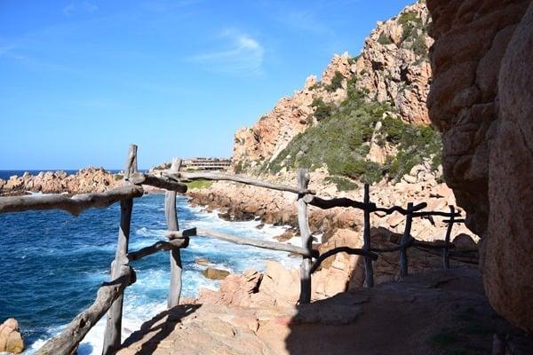 10_Fussweg-zum-Strand-Li-Cossi-Costa-Paradiso-Sardinien-Italien