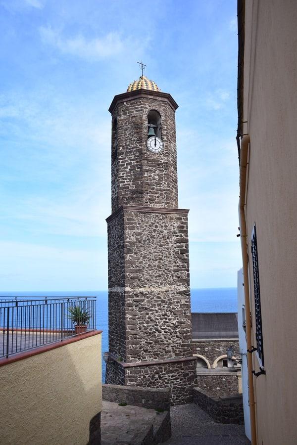 11_Glockenturm-Kirche-La-Cattedrale-di-Sant'Antonio-Abate-Castelsardo-Sardinien-Italien