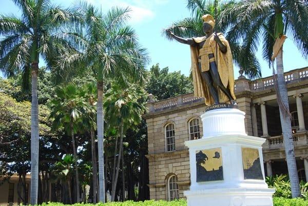 12_King-Kamehameha-Statue-Honolulu-Oahu-Hawaii
