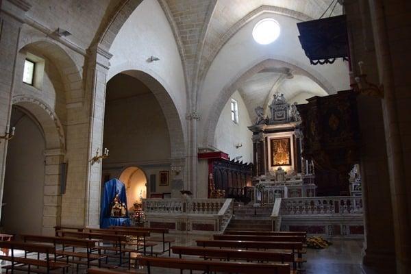 15_Altar-La-Cattedrale-di-Sant'Antonio-Abate-Castelsardo-Sardinien-Italien