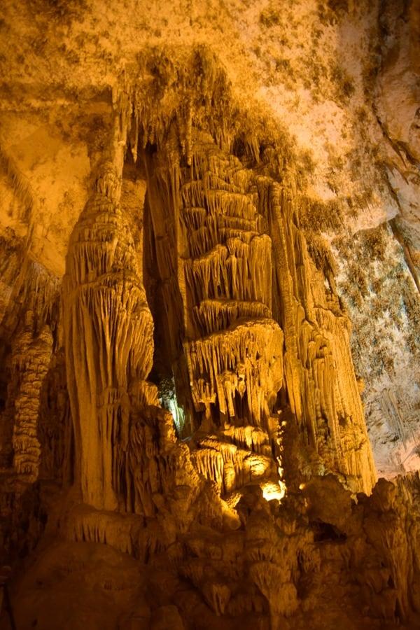 22_Stalagnat-Tropfsteinhoehle-Grotta-di-Nettuno-Neptungrotte-Sardinien-Alghero-Italien
