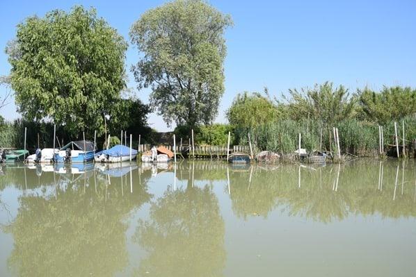 06_Boote-im-Kanal-Lagune-von-Marano-Lignano Sabbiadoro-Fluss-Stella-Italien