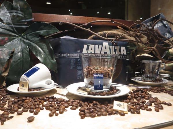 Kreuzfahrt-Kaffee-Cafe-Cappuccino-Kaffeebar-Kreuzfahrtschiff