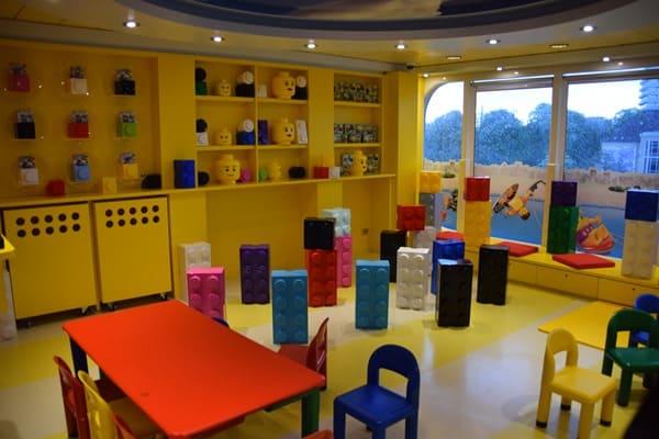 Kreuzfahrt-Kinderbetreuung-Lego-Junior-Club-Kreuzfahrtschiff