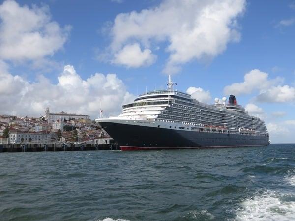 Kreuzfahrtschiff-Queen-Victoria-Cunard-Line-Lissabon-Portugal