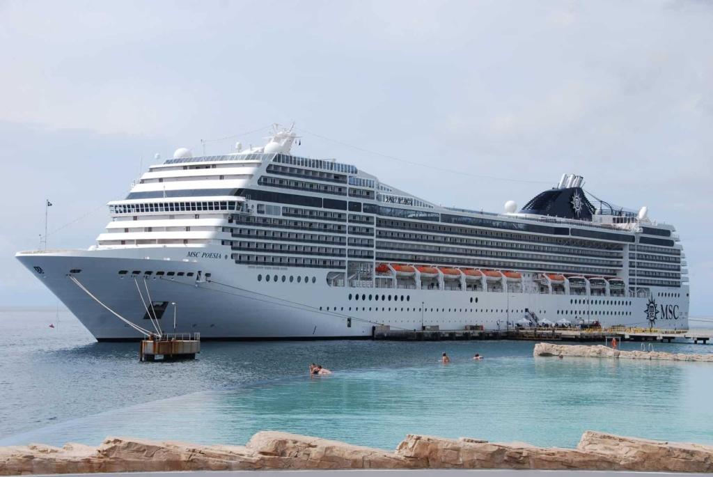 Wie-sieht-ein-typischer-Tag-auf-Kreuzfahrt-aus-Kreuzfahrtschiff-MSC-Poesia