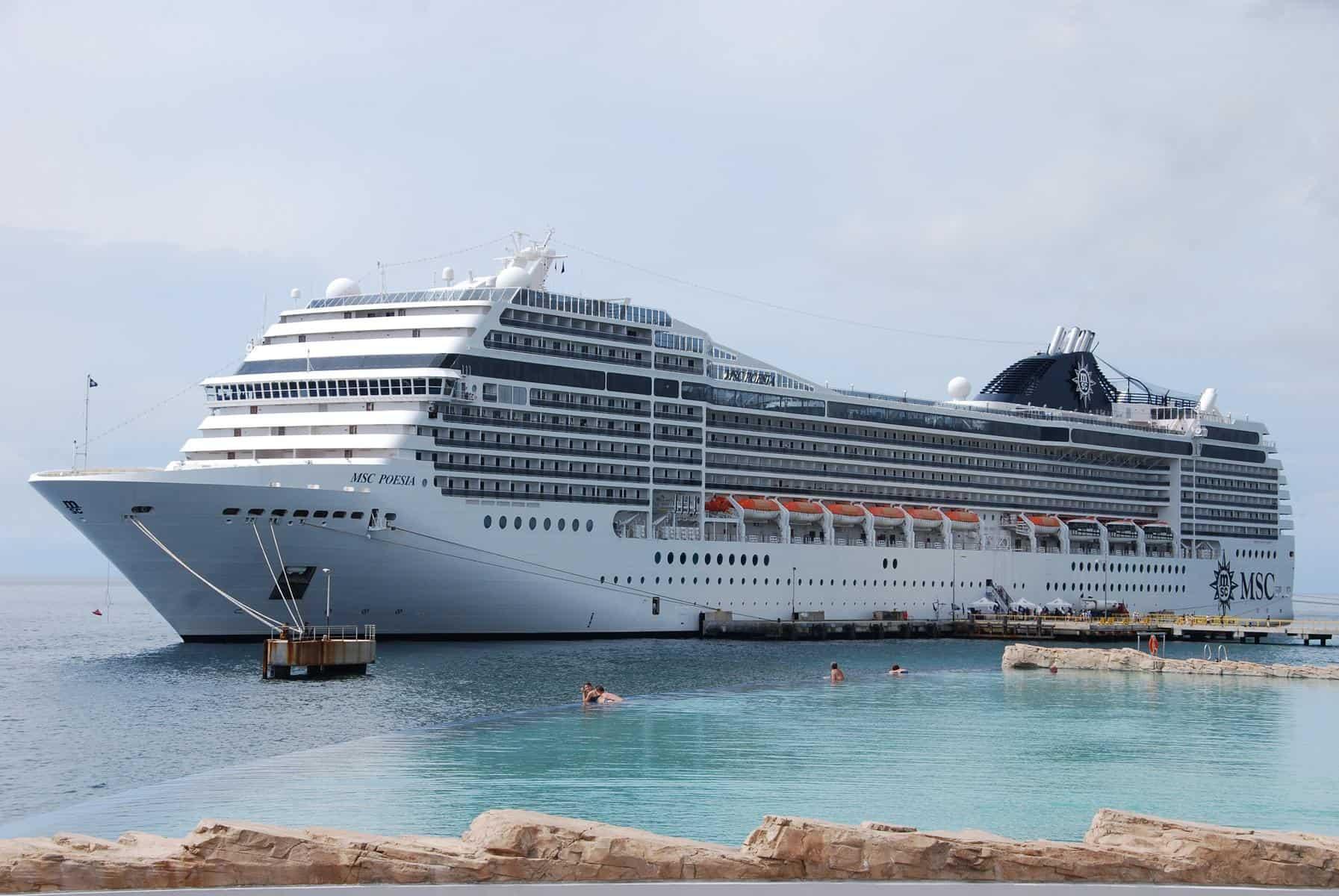 Wie sieht ein typischer Tag auf Kreuzfahrt aus Kreuzfahrtschiff MSC Poesia