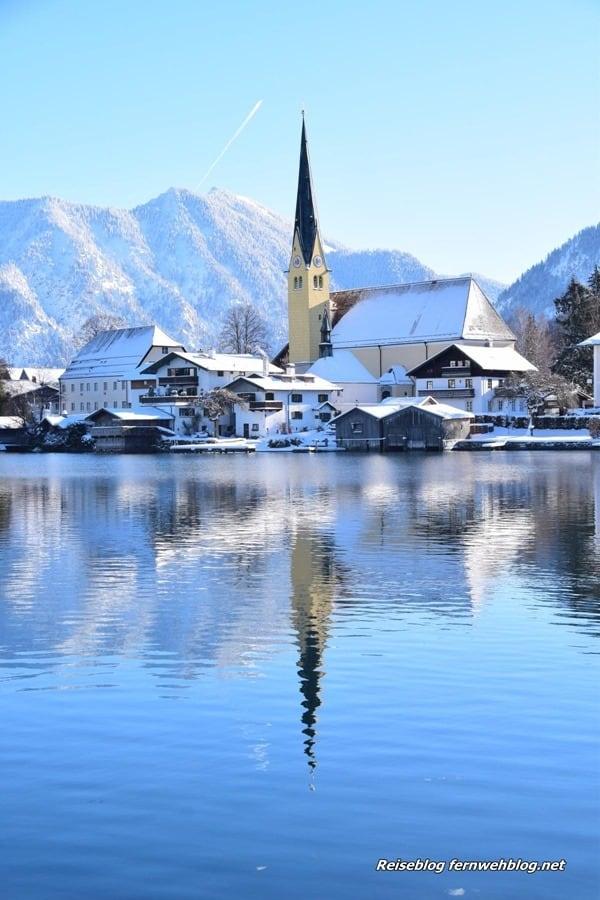 02_Wallpaper-Winter-Rottach-Egern-Tegernsee-Bayern-Deutschland-hochformat-Smartphone-Handy