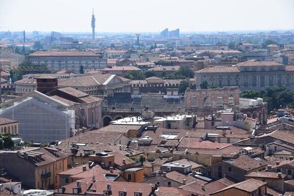 11_Aussicht-vom-Torre-dei-Lamberti-auf-die-Arena-die-Verona-Italien
