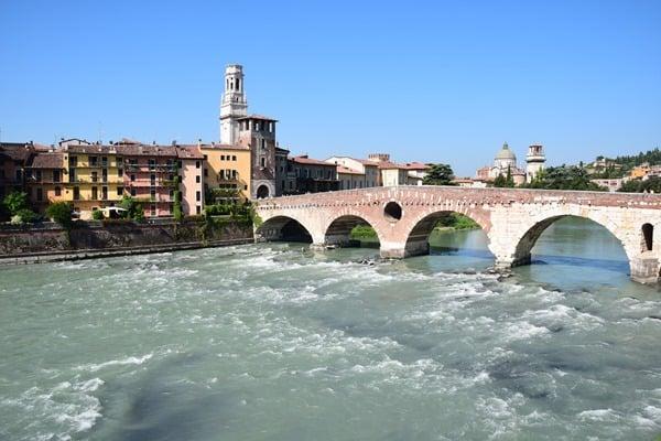 14_Ponte-Pietra-Etsch-Bruecke-Verona-Italien