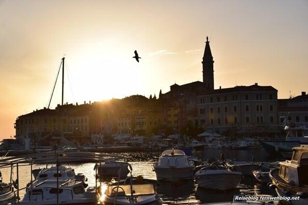 15_Wallpaper-Sonneuntergang-Hafen-Altstadt-Rovinj-Istrien-Kroatien