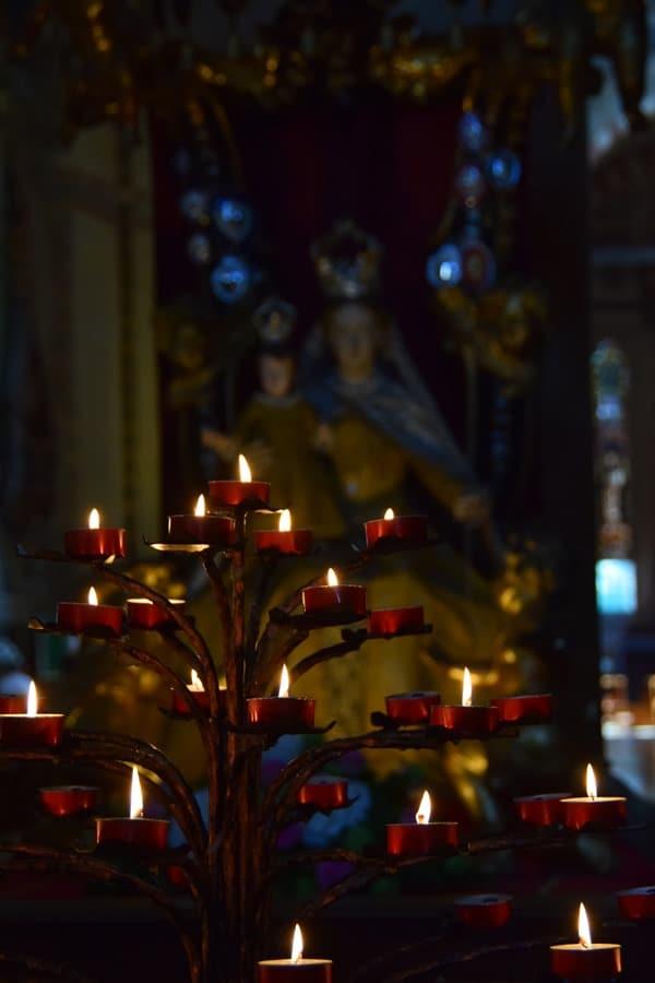 16_Madonna-in-der-Kirche-Santa-Anastasia-Verona-Italien