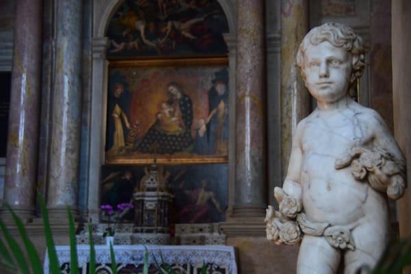 17_Statue-in-der-Kirche-Santa-Anastasia-Verona-Italien