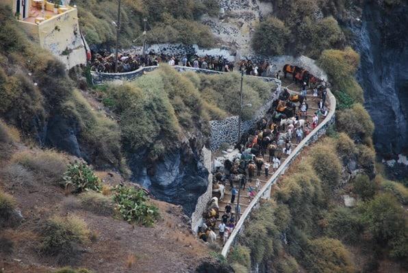 11_Ankunft-Kreuzfahrtschiff-Passagiere-Esel-Treppen-Thira-Fira-Santorin-Kykladen-Griechenland