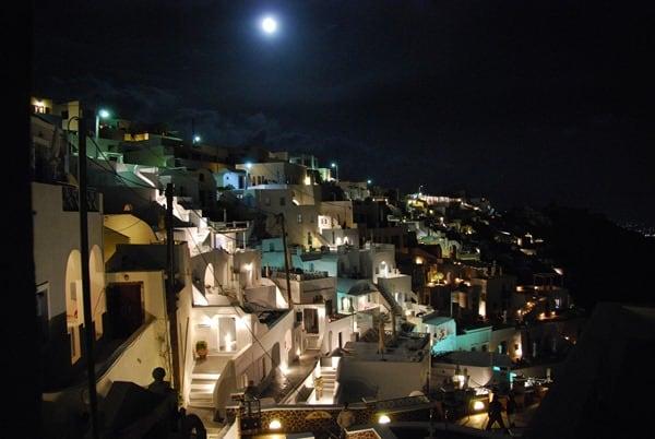 12_Fira-Thira-bei-Nacht-Santorin-Kykladen-Griechenland