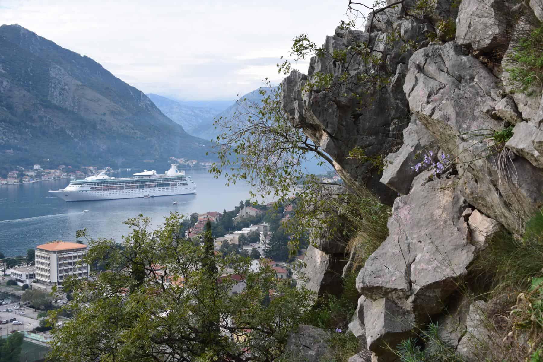 000 Kreuzfahrt oestliches Mittelmeer Royal Caribbean Vision of the Seas Kotor Montenegro