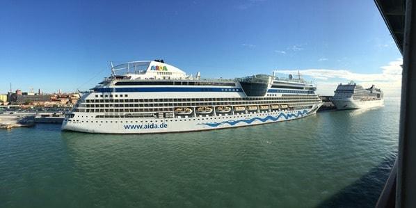 02_Kreuzfahrtschiffe-AIDAbella-MSC-Magnifica-Hafen-Venedig-Italien