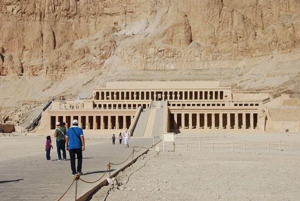 02_Tempel-der-Hatschepsut-Luxor-Aegypten-Nilkreuzfahrt