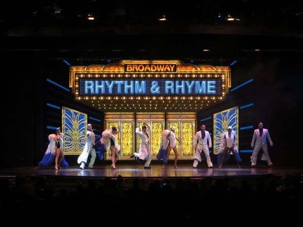 Kreuzfahrtschiff Royal Caribbean Vision of the Seas Show RhythmRhyme Theater