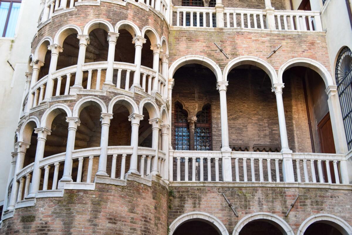 11_Palazzo-Contarini-Minelli-dal-Bovolo-Schneckenturm-Venedig-Italien