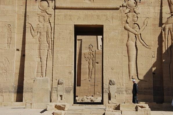12_Pylon-Isis-Tempel-von-Philae-Assuan-Aegypten-Nilkreuzfahrt