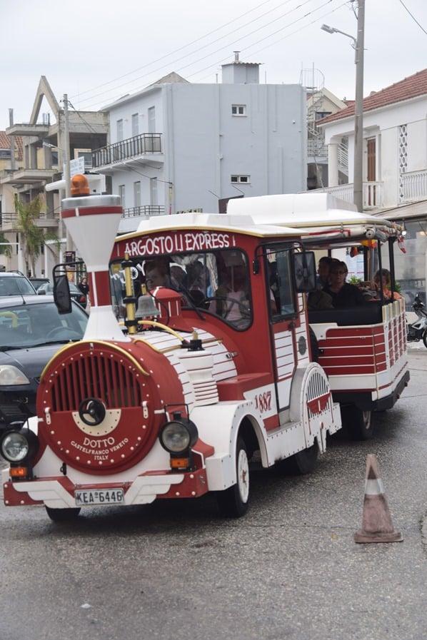 03_Kreuzfahrt-oestliches-Mittelmeer-Bimmelbahn-Argostoli-Griechenland