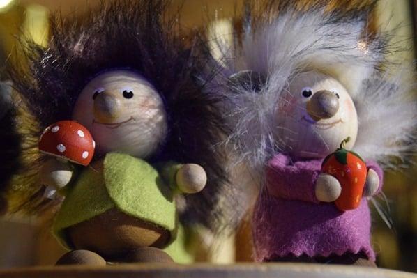 04_lustige-Wichtel-auf-Weihnachtsmarkt-Marktplatz-Tallinn-Estland
