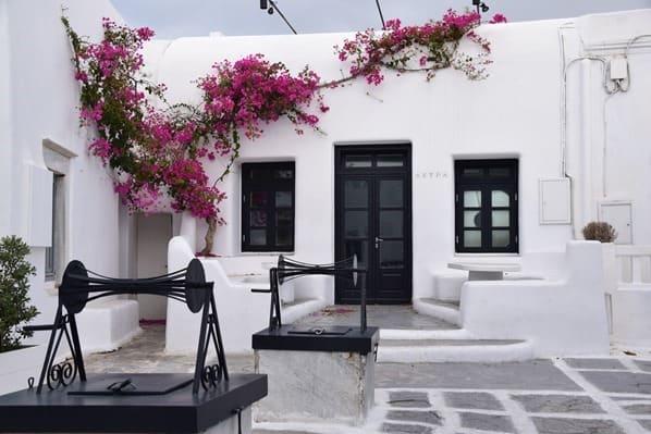 10_Kreuzfahrt-Mykonos-Stadt-Brunnen-Griechenland