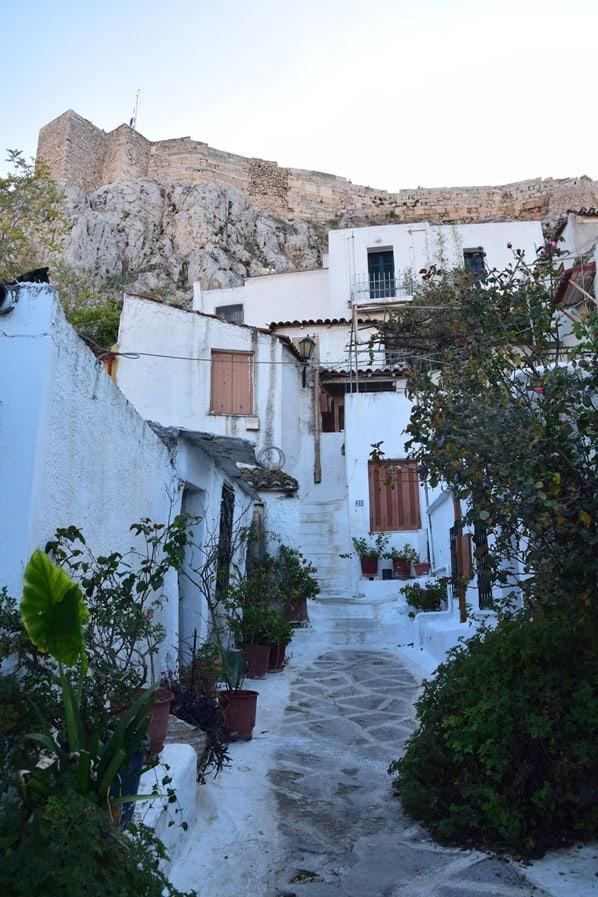 28_Anafiotika-Siedlung-unterhalb-der-Akropolis-Athen-Griechenland-Kreuzfahrt-Mittelmeer