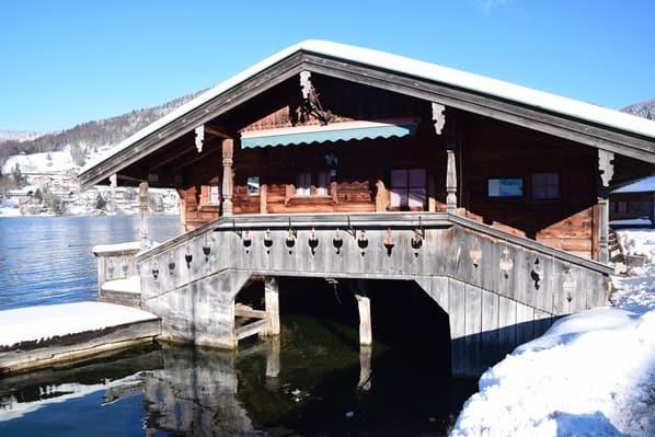 14_Bootshütte-Winter-Promenade-Rottach-Egern-Tegernsee-Bayern-Deutschland