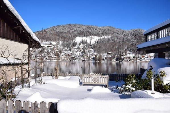 16_Seeblick-Winter-Promenade-Rottach-Egern-Tegernsee-Bayern-Deutschland