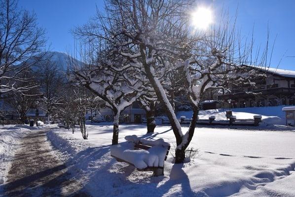 17_Winterwonderland-Park-Seestrasse-Rottach-Egern-Tegernsee-Bayern-Deutschland