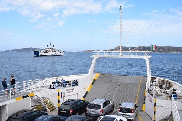 00_Delcomar-Autofaehre-Palau-La-Maddalena-Sardinien-Italien-Mittelmeer