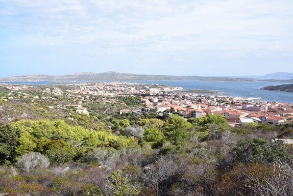 21_Blick-auf-den-Hauptort-La-Maddalena-Sardinien-Italien-Mittelmeer