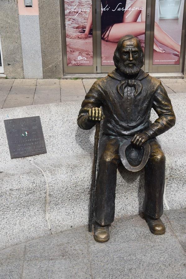31_Statue-Giuseppe-Garibaldi-La-Maddalena-Sardinien-Italien