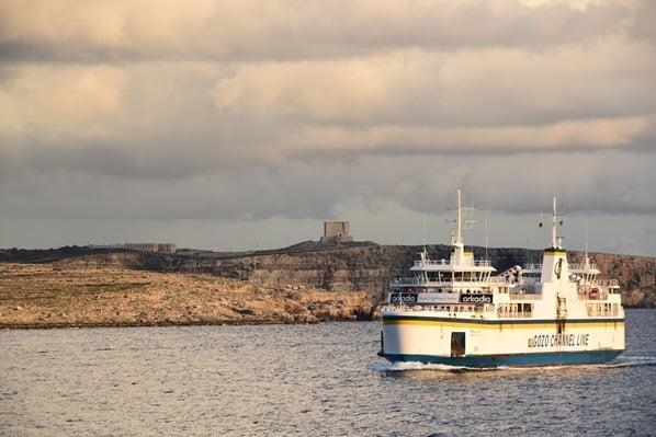 01_Malta-Gozo-Faehre-vor-Comino